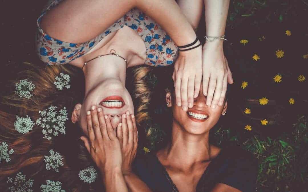 Introversion: Sind introvertierte Menschen unsozial? Nein. Nur introvertiert.